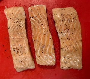 Salt_pepper_seasoned_salmon_fillets