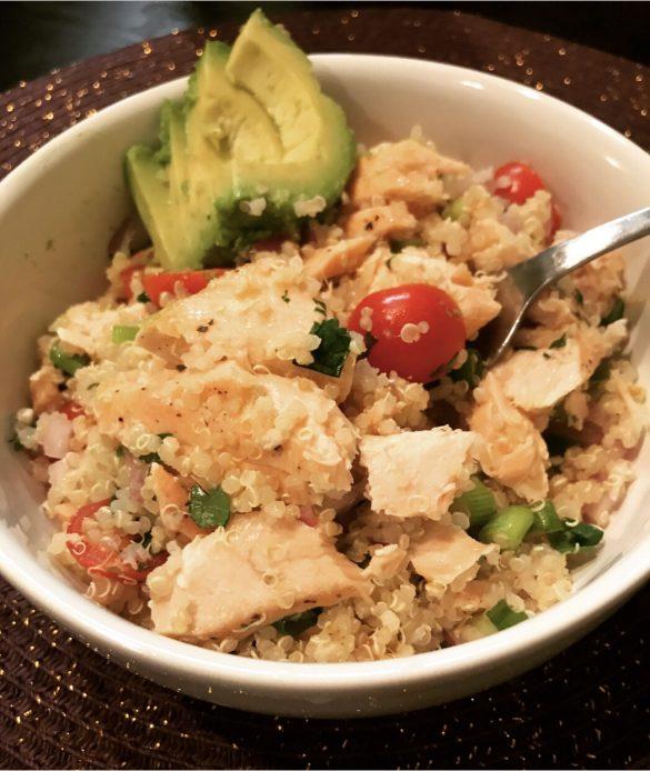 salmon_avocado_quinoa_salad_bowl_recipe